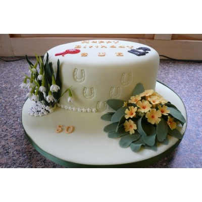 Flowers and Horseshoe Round Cake