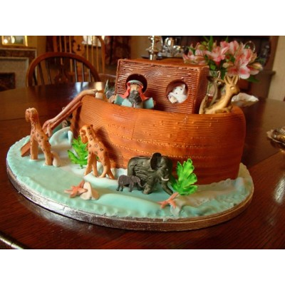 The Arc cake with Animal figurines