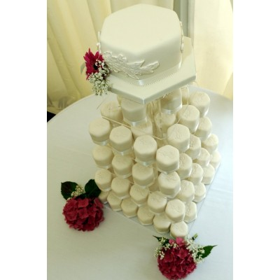 Hexagonal Cakes with Ribbon