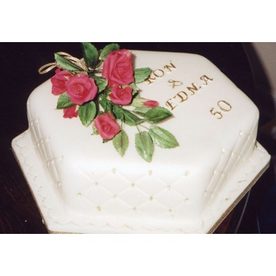 50th Wedding Anniversary Cake with Names and Flowers