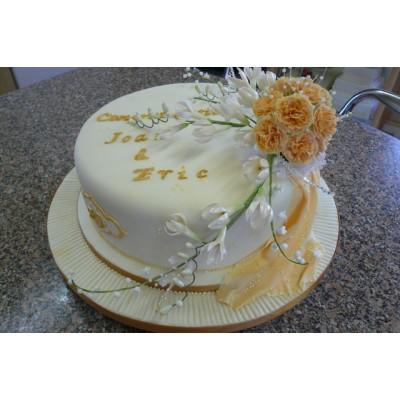 Golden colour detailing with elaborate Flower decoration